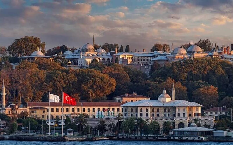 Selective-Tour-Guide-Service-in-TurkeY