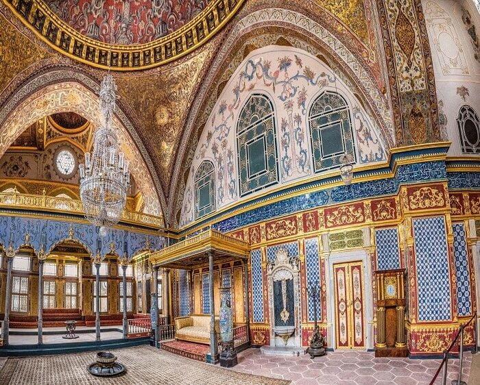 topkapi-palace-turkey-tour